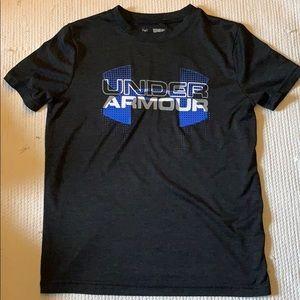 Boys Under Armour tee shirt